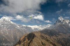 Marcel in Front von Annapurna Dakshin & Machapuchhare